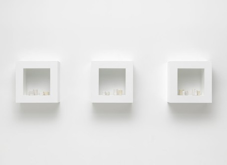Edmund de Waal, the white road, I–III, 2013 19 porcelain vessels, in wood and plexiglass cabinet, Each: 22 ¼ × 22 ¼ × 11 inches (56 × 56 × 27.5 cm)© Edmund de Waal, photo by Mike Bruce