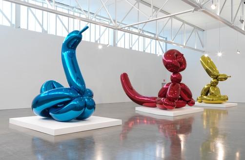 Installation view  Artwork © Jeff Koons. Photo: Rob McKeever
