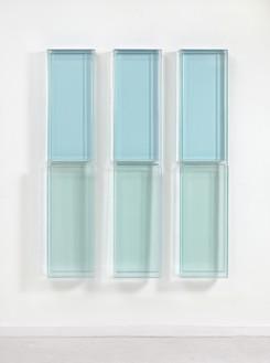 Rachel Whiteread, LOOK, LOOK, LOOK, 2012 Resin, in 3 parts, each: 74 ⅝ × 15 ⅝ × 5 ⅞ inches (189.5 × 39.5 × 15 cm)© Rachel Whiteread. Photo: Mike Bruce