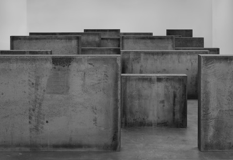 Richard Serra, Intervals, 2013 Weatherproof steel, 24 plates, 6 feet × 28 feet × 47 feet 6 inches (1.83 × 8.53 × 14.48 m)© Richard Serra/Artists Rights Society (ARS), New York. Photo: Tom Powel Imaging