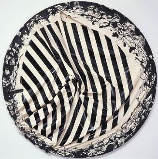 Steven Parrino, Skeletal Implosion, 2001 Enamel on canvas, diameter: 84 inches (213.4 cm)© Steven Parrino
