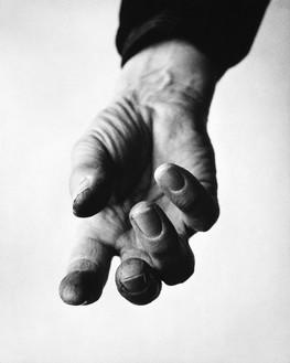 Richard Avedon, Henry Moore, sculptor, Hoglands, Much Hadham, Hertfordshire, England, January 26, 1963, 1963 © The Richard Avedon Foundation