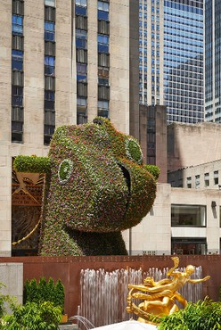 Jeff Koons: Split-Rocker, Rockefeller Center, New York