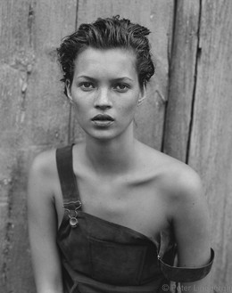 Peter Lindbergh, KATE MOSS, NEW YORK, USA, 1994, 1994 Hahnemühle Photo Rag® Baryta 315 grs 2013, 86 ⅝ × 70 1/16 inches framed (220 × 178 cm)