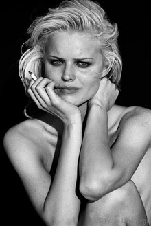 Peter Lindbergh, EVA HERZIGOVA, EL MIRAGE, CALIFORNIA, 1995, 1995 Gelatin silver print Illford multigrade 2014, 30 ⅞ × 26 3/16 inches framed (78.5 × 66.5 cm), edition of 25
