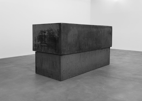 Richard Serra, Dead Load, 2014 Forged steel, 65 ⅝ × 53 ½ × 128 ¼ inches (166.9 × 135.8 × 325.7 cm)© Richard Serra/Artists Rights Society (ARS), New York. Photo: Mike Bruce
