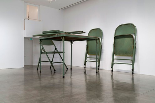 Robert Therrien, No title (Folding table and chairs, green), 2008 Painted metal and fabric, Table: 96 × 120 × 120 inches (243.8 × 304.8 × 304.8 cm); 4 chairs: 104 × 64 × 72 inches each (264.1 × 162.6 × 182.9 cm)Photo by Josh White