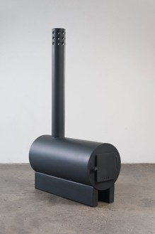 Sterling Ruby, Stove 3, 2013 Stainless steel coated with high-temperature paint, 54 ¾ × 14 × 33 inches (139.1 × 35.6 × 83.8 cm), edition of 6© Sterling Ruby. Photo: Robert Wedemeyer