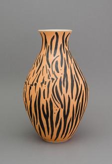Shio Kusaka, (animal 10), 2014 Stoneware, 25 ¼ × 15 ½ × 15 ½ inches (64.8 × 39.4 × 39.4 cm)