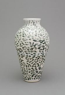 Shio Kusaka, (animal 3), 2014 Stoneware, 22 ½ × 12 ¼ × 12 ¼ inches (57.2 × 31.1 × 31.1 cm)