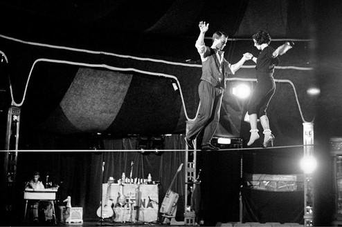 Linda and Mary McCartney, Dance on Tightrope, London, 2012 Archival fiber-based print© Mary McCartney