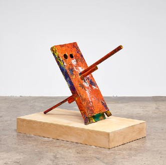 Mark Grotjahn, Untitled (Scraped and Left Orange Cannon, Mask 25.E), 2013 Painted bronze, 44 × 28 ½ × 59 inches (111.8 × 72.4 × 149.9 cm)© Mark Grotjahn