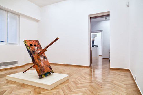 Installation view Artwork, left to right: © Mark Grotjahn, © Georg Baselitz. Photo: Silia Psychi