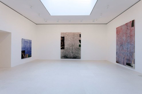 Installation view at Gagosian Gallery Rue de Ponthieu, Paris Artwork © Sterling Ruby, photo by Zarko Vijatovic
