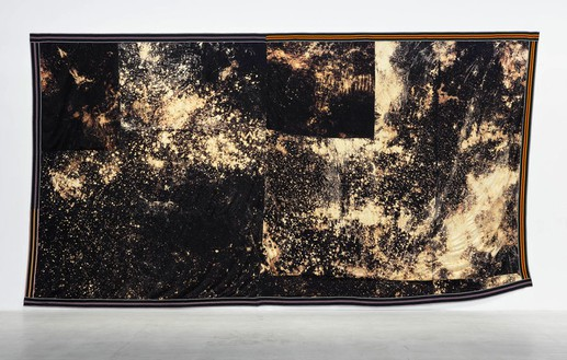Sterling Ruby, DEEP FLAG (5532), 2015 Bleached fleece and elastic, 174 ½ × 316 inches (443.2 × 802.6 cm)© Sterling Ruby, photo by Thomas Lannes