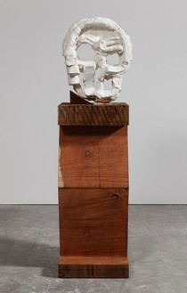 THOMAS HOUSEAGO Algol Head, 2015 Tuf-Cal, hemp, iron rebar, and redwood 77 × 20 × 19 1/2 inches (195.6 × 50.8 × 49.5 cm) Plaster original, ed. of 3, photo by Fredrik Nilsen *View 1