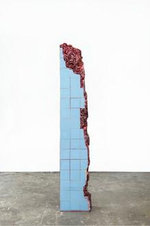 Adriana Varejão, Rome Meat Ruin, 2016 (view 1) Oil on aluminum and polyurethane, 100 13/16 × 18 ⅛ × 10 ¼ inches (256 × 46 × 26 cm)© Adriana Varejão, photo by Vicente de Mello