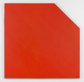 Olivier Mosset, Untitled, 2016 Sprayed polyurethane on canvas, 120 × 120 inches (304.8 × 304.8 cm)Photo by Rob McKeever