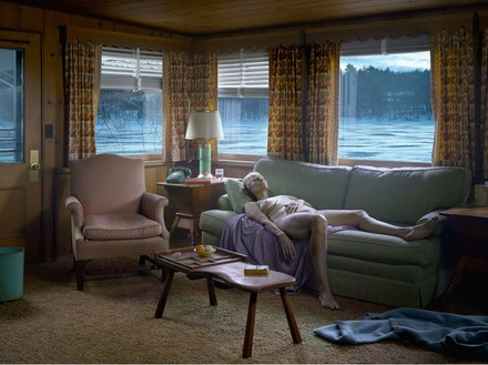 Gregory Crewdson, Reclining Woman on Sofa, 2014 Digital pigment print, Image size: 37 ½ × 50 inches (95.3 × 127 cm), edition of 3 + 2 APs© Gregory Crewdson