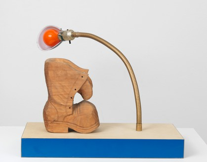 Joe Bradley, For Arthur Doyle, 2016 Wood, lamp, and acrylic paint, 10 ½ × 17 ⅝ × 7 ¾ inches (26.7 × 44.8 × 19.7 cm)© Joe Bradley. Photo: Rob McKeever