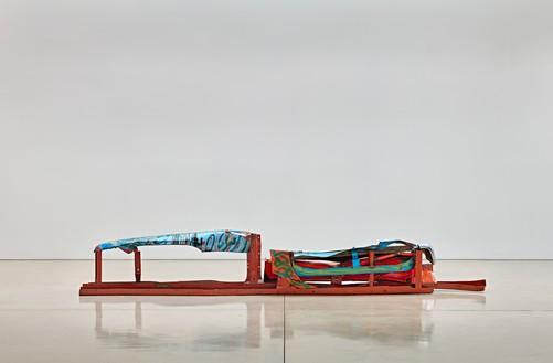 John Chamberlain, Gondola Walt Whitman, 1981–82 Painted and chrome-plated steel, 24 × 162 × 20 inches (61 × 411.5 × 50.8 cm)© 2016 Fairweather & Fairweather LTD/Artists Rights Society (ARS), New York. Photo: Douglas M. Parker Studio