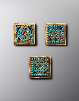 Important collection of ornaments, Tang dynasty (618–907) (detail) Gold inlaid with turquoise, 13 ornaments; each, approx. width: ¾ to 2 inches (2 to 5 cm)Photo: Frédéric Dehaen, Studio Roger Asselberghs