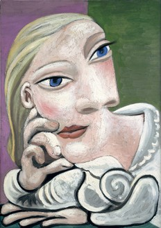 Pablo Picasso, Marie-Thérèse accoudée, 1939 Oil on canvas, 25 ⅝ × 18 ⅛ inches (65 × 46 cm)© 2016 Estate of Pablo Picasso/Artists Rights Society (ARS), New York. Photo: Béatrice Hatala