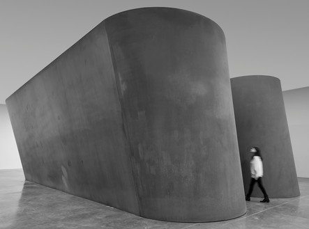Installation view with NJ-1 (2015) Artwork © Richard Serra. Photo: Cristiano Mascaro