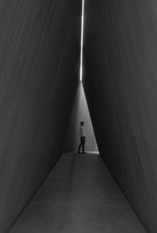Installation view with NJ-2 (2016; detail) Artwork © Richard Serra. Photo: Mike Bruce
