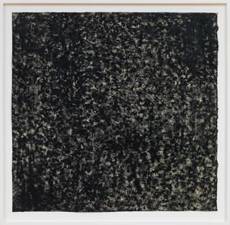 Richard Serra, Ramble 4-23, 2015 Litho crayon and pastel powder on paper, 34 × 35 inches (86.4 × 88.9 cm)© Richard Serra/Artists Rights Society (ARS), New York. Photo: Rob McKeever
