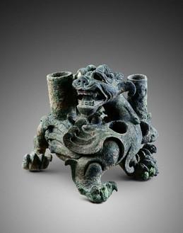 Chimera (bixie), Western Han dynasty (206 BCE–9 CE) Bronze; height: 5 ¾ inches (14.5 cm)Photo: Frédéric Dehaen, Studio Roger Asselberghs