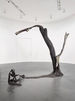 Giuseppe Penone, Equivalenze, 2016 Bronze, 115 ⅜ × 157 ½ × 54 ⅜ inches (293 × 400 × 138 cm)© Giuseppe Penone. Photo: Matteo D'Eletto, M3 Studio