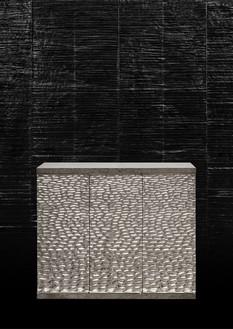 Peter Marino, Deep Water Box, 2017 Silvered bronze, 39 ⅜ × 44 ⅞ × 15 ¾ inches (100 × 114 × 40 cm), edition of 8 + 4 AP© Peter Marino Architect. Photo: Manolo Yllera