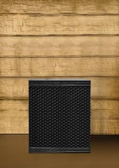 Peter Marino, Short Dragon Scale Box, 2017 Blackened bronze, 46 ⅛ × 37 ½ × 18 ¼ inches (117 × 95.3 × 46.2 cm), edition of 8 + 4 AP© Peter Marino Architect. Photo: Manolo Yllera
