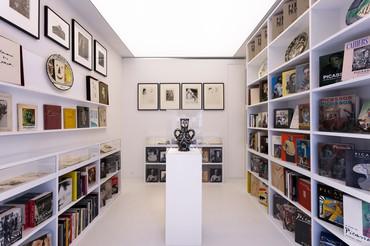 Picasso: By the Book, rue de Ponthieu, Paris