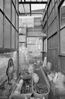 Robert Therrien, Transparent Room, 2010 (detail) Steel, glass, and plastic, 145 × 108 × 156 inches (368.3 × 274.3 × 396.2 cm)© Robert Therrien. Photo: Jens Ziehe/Photographie