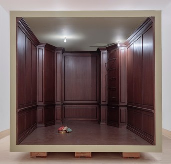 Robert Therrien, No title (paneled room), 2017 Wood and mixed media, 129 ¾ × 186 ⅝ × 139 ⅛ inches (329.6 × 474 × 353.4 cm)© Robert Therrien. Photo: Joshua White