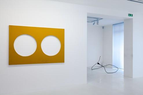 Installation view Artwork, left to right: © Steven Parrino, © Tatiana Trouvé. Photo: Zarko Vijatovic