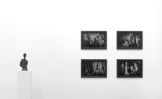 Installation view Artwork, on pedestal: © Succession Alberto Giacometti (Fondation Giacometti + ADAGP), Paris 2017, on wall: © Peter Lindbergh. Photo: Lucy Dawkins