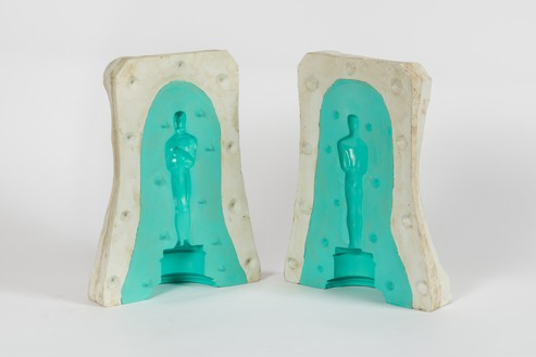 Alex Israel, Casting, 2015 Acrylic on bronze, in 2 parts, 16 × 12 × 5 ¾ inches (40.6 × 30.5 × 14.6 cm), edition of 8© Alex Israel. Photo: Josh White
