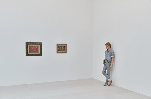 Installation view Artwork, left to right: © 2018 Artists Rights Society (ARS), New York/ADAGP, Paris, © 2018 C. Herscovici, Brussels/Artists Rights Society (ARS), New York, © Estate of Duane Hanson/Licensed by VAGA, New York. Photo: Thomas Lannes