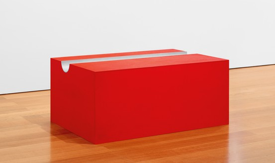 Donald Judd, untitled, 1991 Oil on plywood and aluminum, 19 ½ × 45 × 30 inches (49.5 × 114.3 × 76.2 cm)© 2018 Judd Foundation/Artists Rights Society (ARS), New York