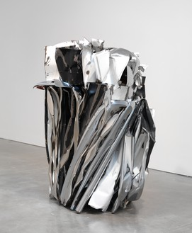 John Chamberlain, TASTEYLINGUS, 2010 Painted and chrome-plated steel, 69 ¼ × 59 ½ × 51 ¼ inches (175.9 × 151.1 × 130.2 cm)© 2018 Fairweather & Fairweather LTD/Artists Rights Society (ARS), New York