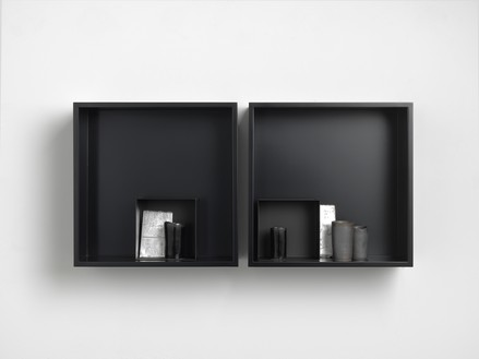 Edmund de Waal, a word, VI, 2018 4 porcelain vessels, 2 porcelain tiles with silver gilding, and 2 steel boxes in a pair of aluminum and plexiglass vitrines, 11 × 22 ½ × 4 inches (27.9 × 57 × 10 cm)© Edmund de Waal. Photo: Mike Bruce