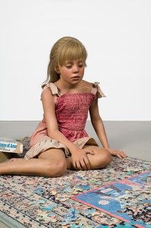 Duane Hanson, Child with Puzzle, 1978 (detail) Oil on polyvinyl with mixed media, overall dimensions variable© 2018 Estate of Duane Hanson/Licensed by VAGA at Artists Rights Society (ARS), New York. Photo: Jeff McLane