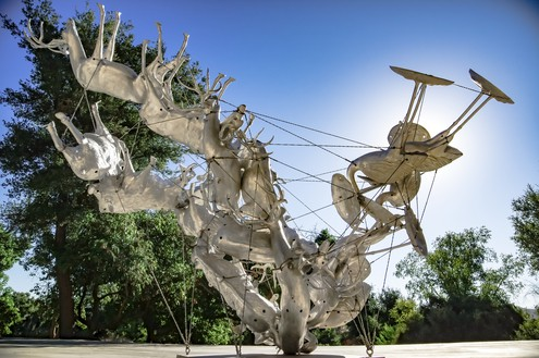 Nancy Rubins, Agrifauna Delicata I, 2017 Cast aluminum, stainless steel armature, and stainless steel wire cable, 10 feet 7 inches × 10 feet 8 inches × 15 feet 5 inches (3.23 × 3.25 × 4.7 m)Installation view, Nancy Rubins's studio, Topanga, California© Nancy Rubins. Photo: Joel Searles
