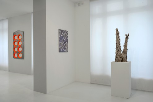 Installation view Artwork, left to right: © Blair Thurman; © Alberto Di Fabio; © Setsuko Klossowska de Rola. Photo: Charles Duprat