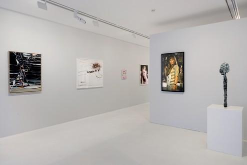 Installation view Artwork, left to right: © Jia Aili Studio; © Michael Heizer; © 2019 Takashi Murakami/Kaikai Kiki Co., Ltd. All rights reserved; © Roe Ethridge; © Cindy Sherman; © Sterling Ruby. Photo: Charles Duprat