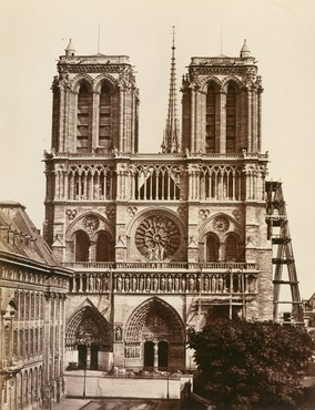 Facade of the Cathédrale Notre-Dame de Paris