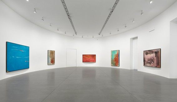 Installation view Artwork © 2019 Helen Frankenthaler Foundation, Inc./Artists Rights Society (ARS), New York. Photo: Matteo D'Eletto, M3 Studio